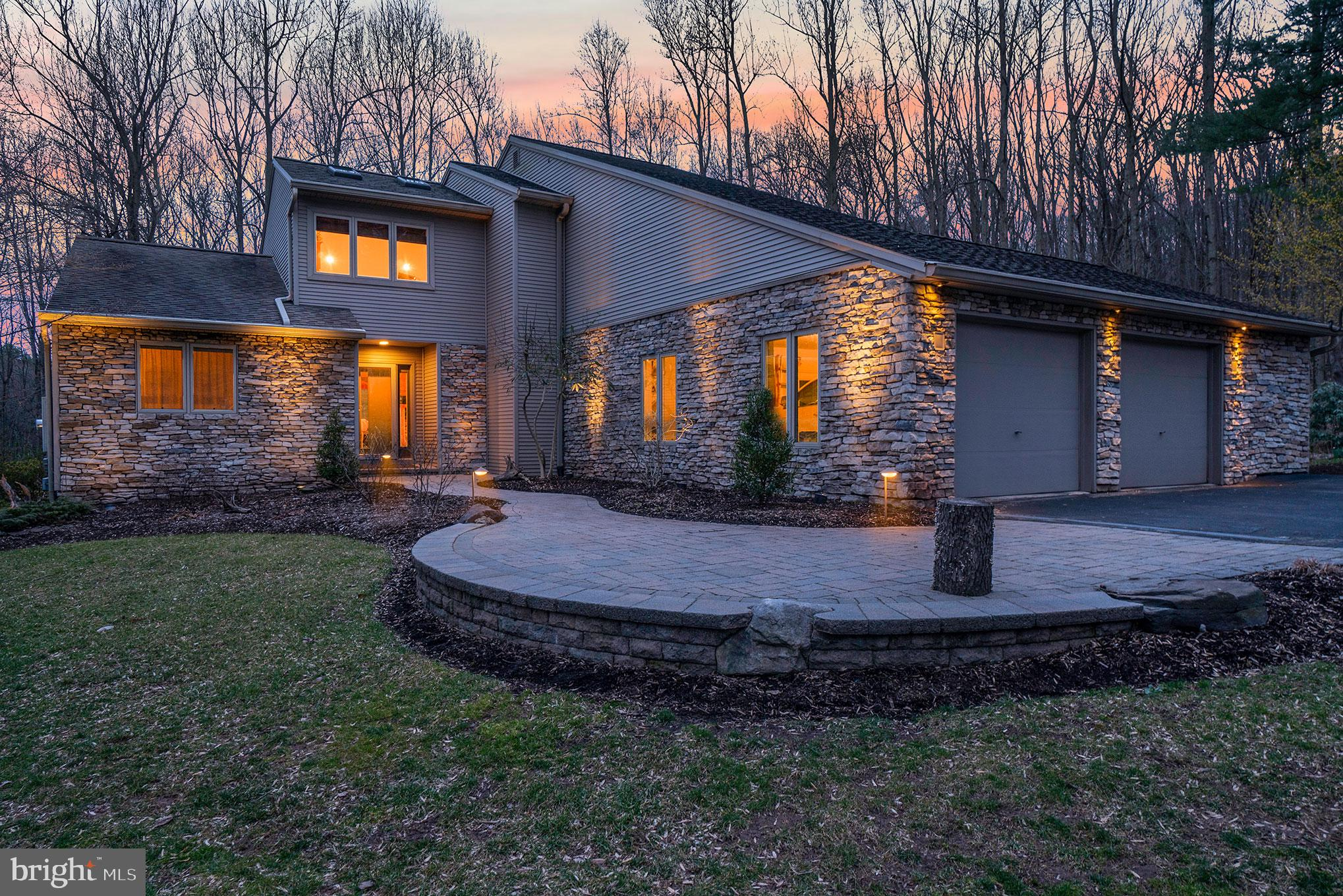 730 MOORES MOUNTAIN ROAD, LEWISBERRY, PA 17339