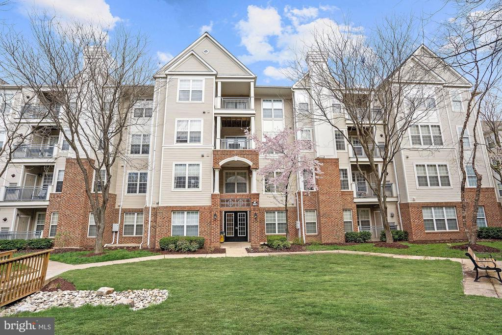 3003  NICOSH CIRCLE  3309, Falls Church, Virginia
