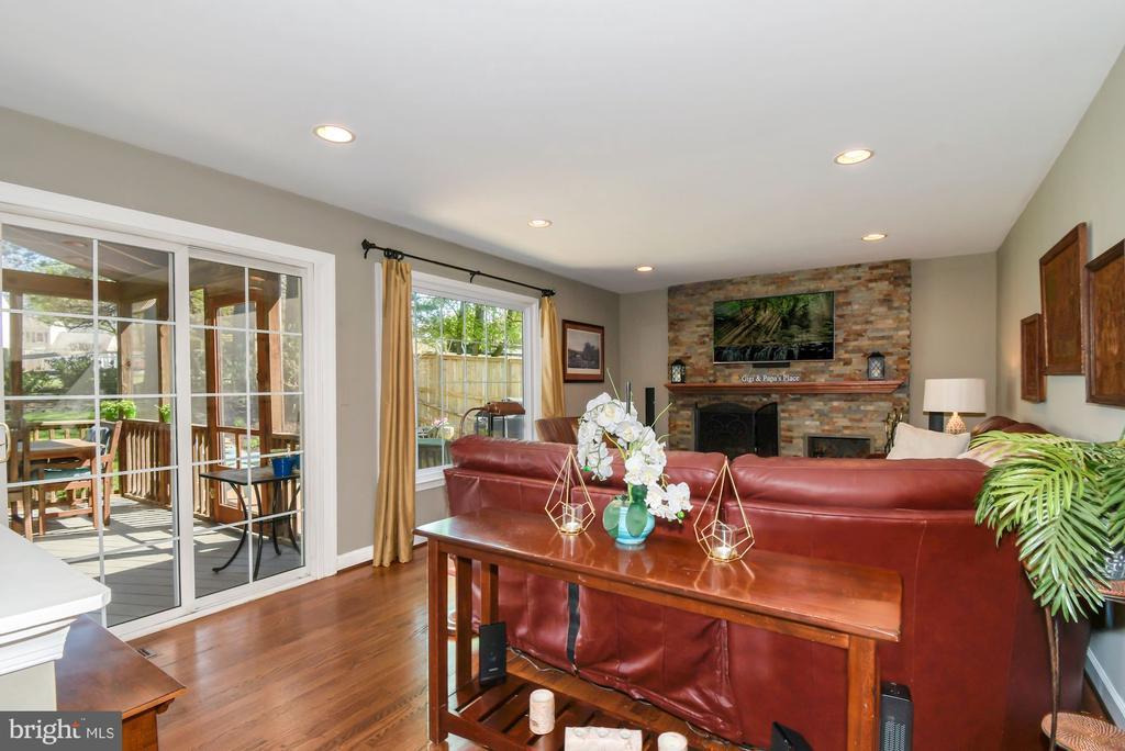 6844 SILVER ANN DRIVE, LORTON, Virginia 22079, 4 Bedrooms Bedrooms, ,3 BathroomsBathrooms,Residential,For Sale,SILVER ANN,VAFX1119636