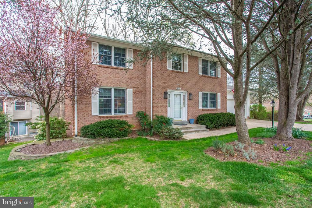 10166 TAPESTRY COURT, FAIRFAX, Virginia 22032, 4 Bedrooms Bedrooms, ,3 BathroomsBathrooms,Residential,For Sale,TAPESTRY,VAFX1113756