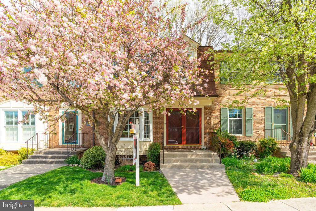 9034  GAVELWOOD COURT, one of homes for sale in West Springfield