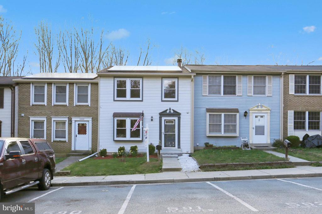 19924 APPLE RIDGE PLACE, GAITHERSBURG, Maryland 20886, 3 Bedrooms Bedrooms, ,2 BathroomsBathrooms,Residential,For Sale,APPLE RIDGE,MDMC698396