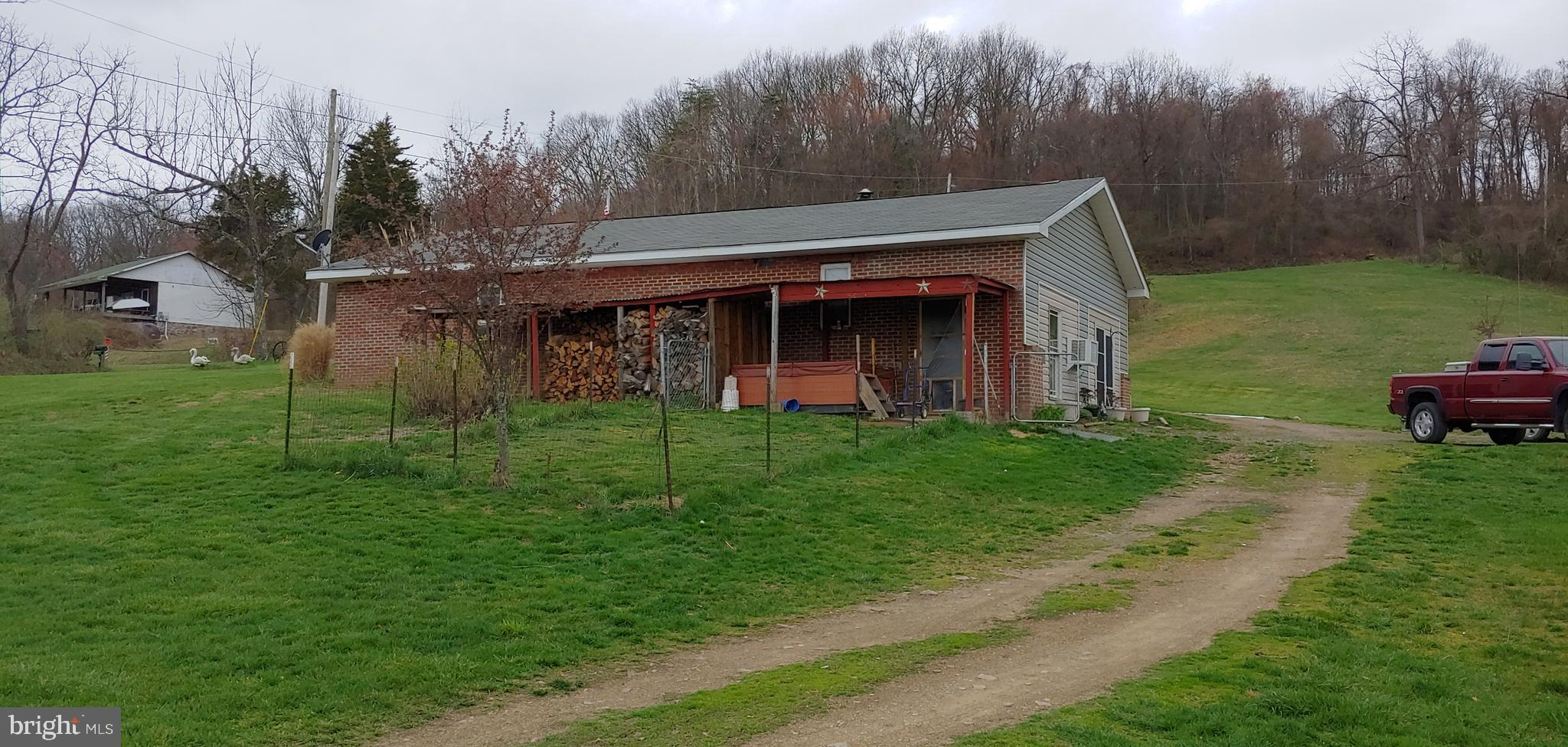 2423 LITTLE CACAPON MOUNTAIN ROAD, AUGUSTA, WV 26704