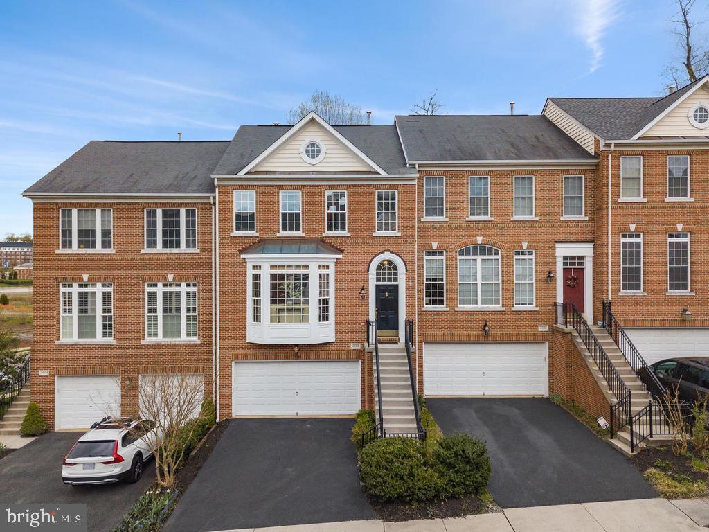 4003 QUIET CREEK DRIVE, FAIRFAX, Virginia 22033, 3 Bedrooms Bedrooms, ,3 BathroomsBathrooms,Residential,For Sale,QUIET CREEK,VAFX1120834
