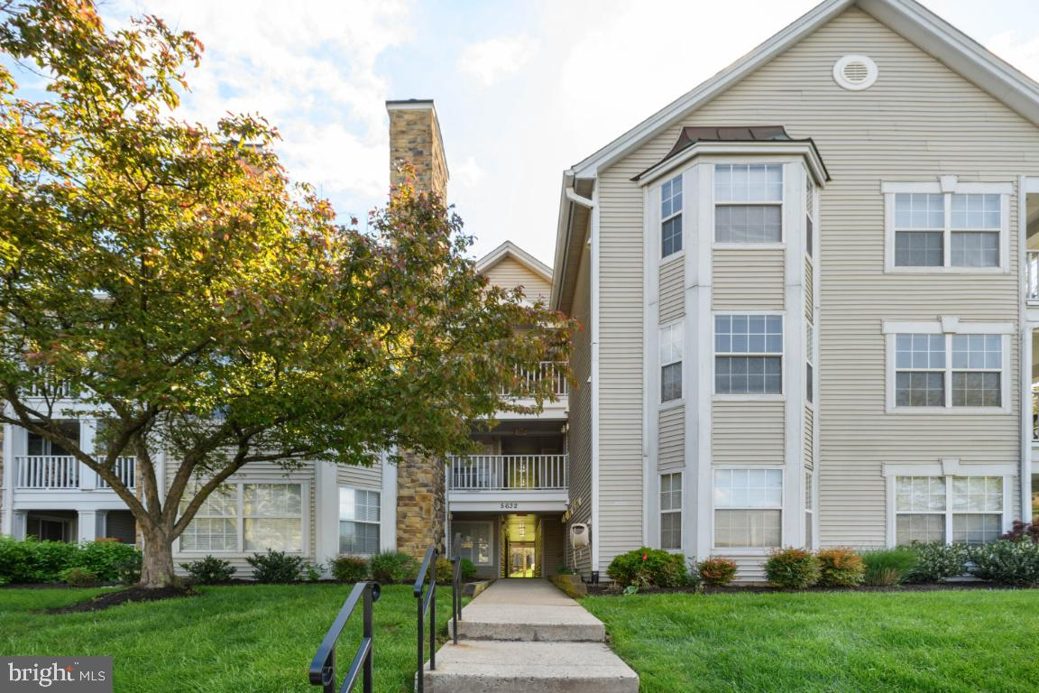 5632 Willoughby Newton Dr #13, Centreville, VA, 20120