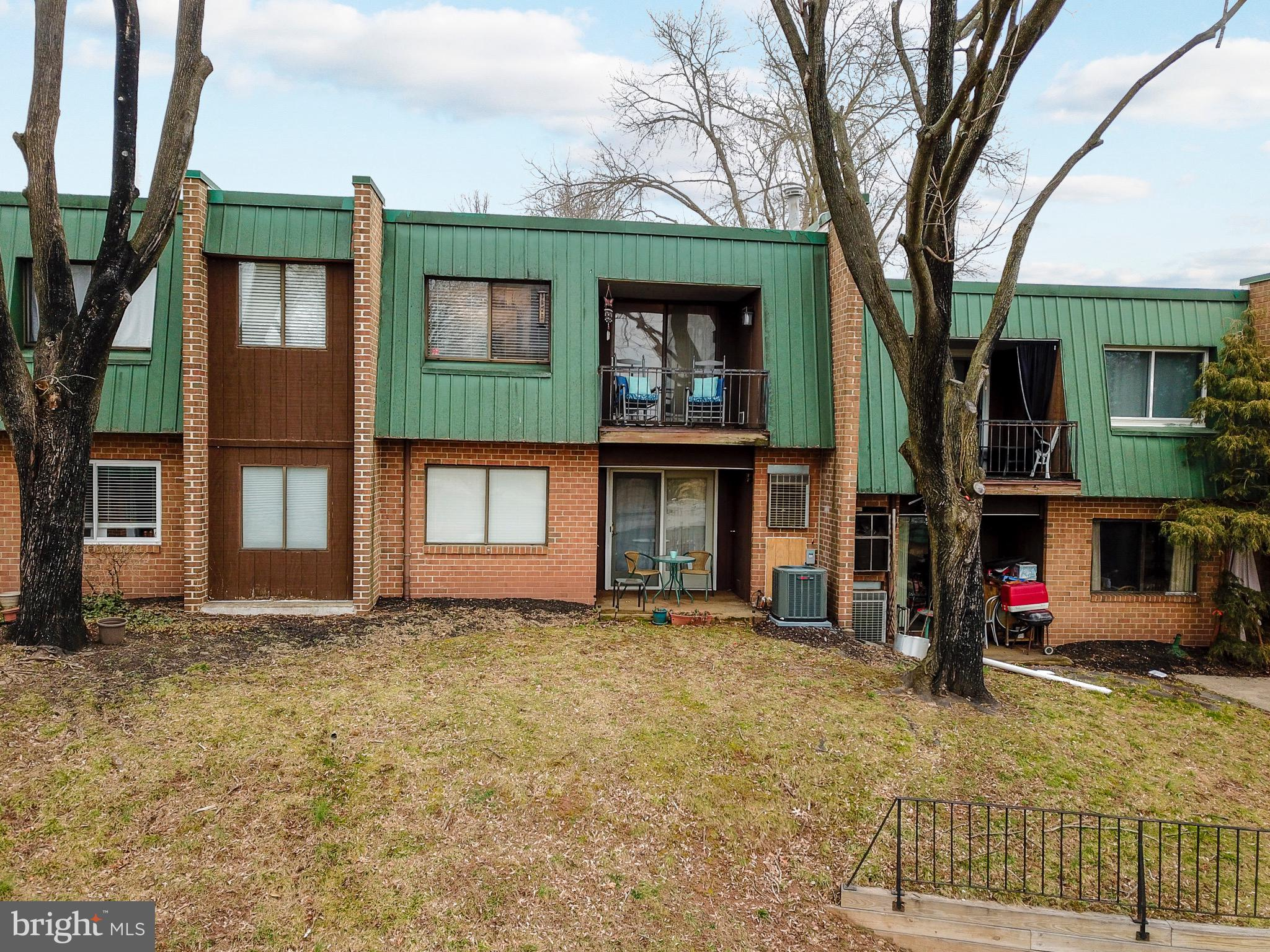 622 Meadowview Lane, Mont Clare, PA 19453