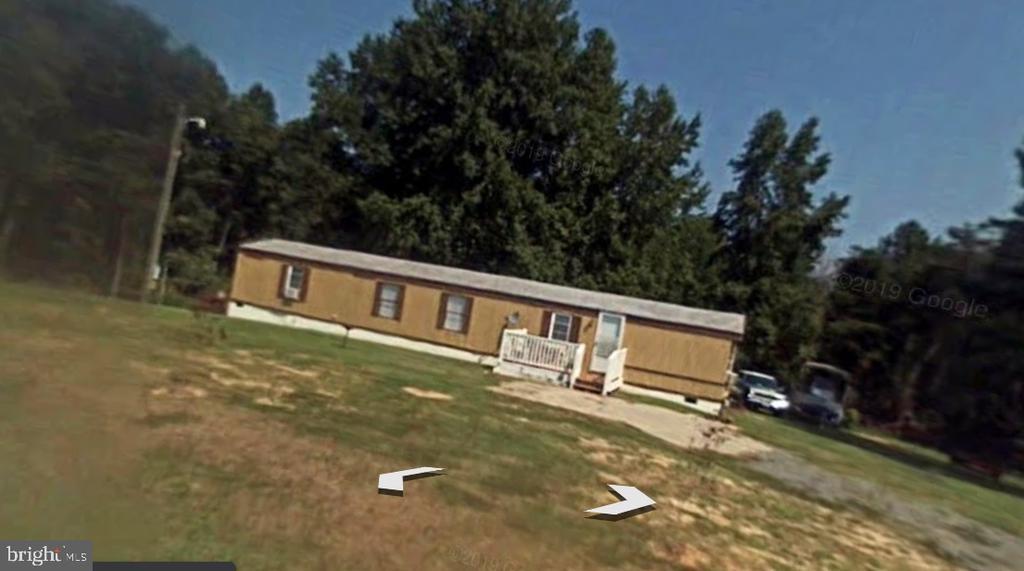 616 Ullainee Road, Caret, VA 22436