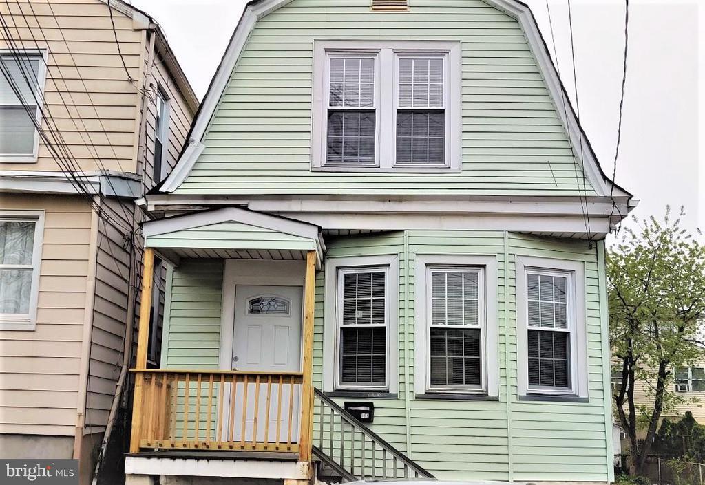 194-196 Devon Terrace, Kearny, NJ 07032