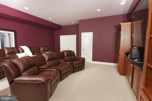 1347 Kirby Rd Mclean VA 22101