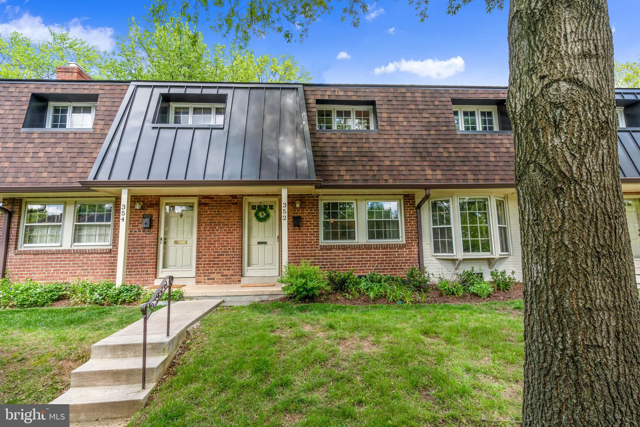 352 James Street 379, Falls Church, VA 22046