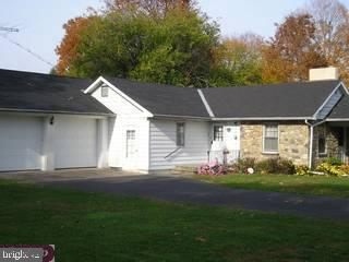 919 Edgewood Road, Riegelsville, PA 18077