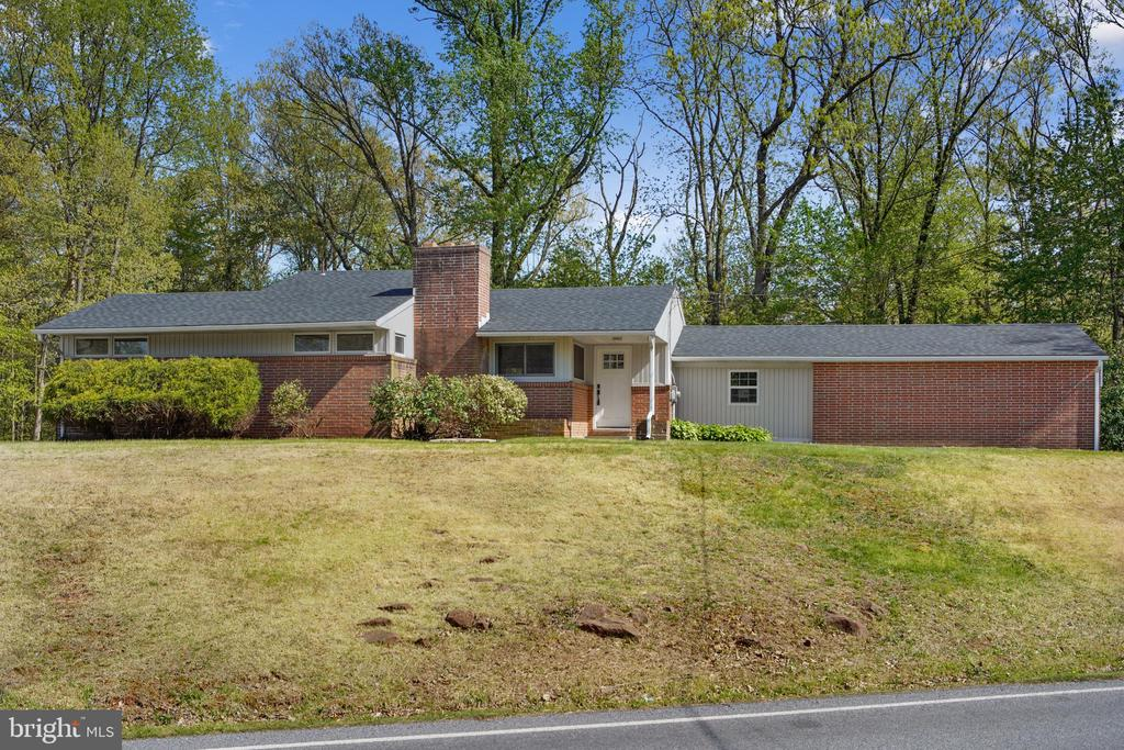 1829 Chestnut Hill Road, Mohnton, PA 19540