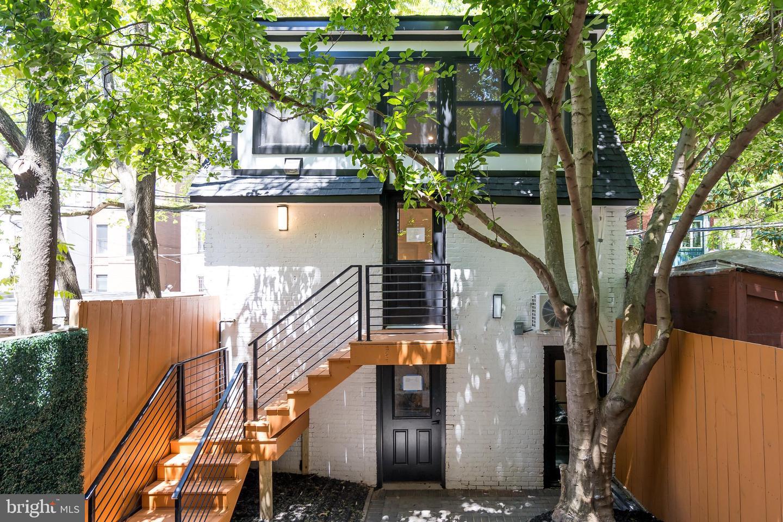 1739 Q Street NW #CARRIAGE HOUSE - Washington, District Of Columbia 20009