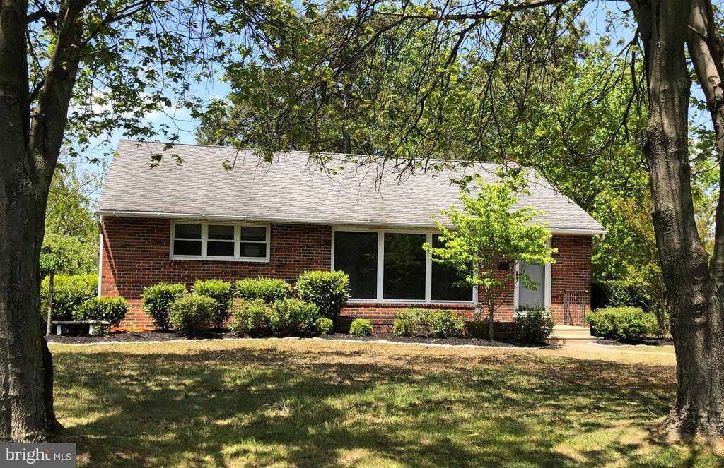 4 Sunset Drive, Voorhees, NJ 08043