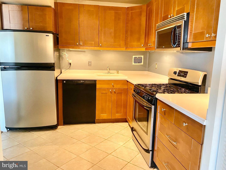 4 Monroe Street  #1004 - Montgomery, Maryland 20850