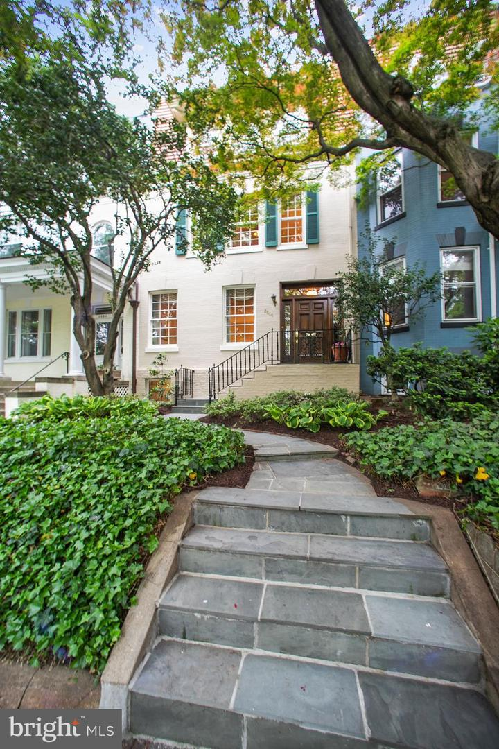 2806 Cathedral Avenue NW  - Washington, District Of Columbia 20008