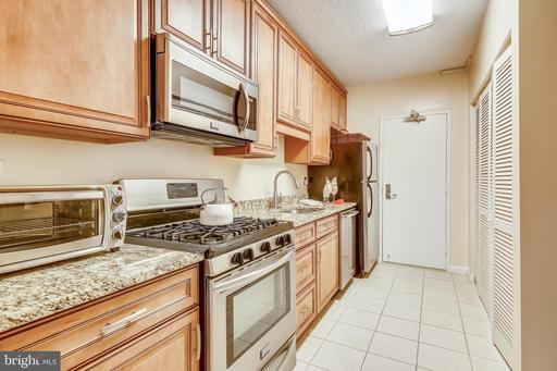 4141 Henderson Rd #303