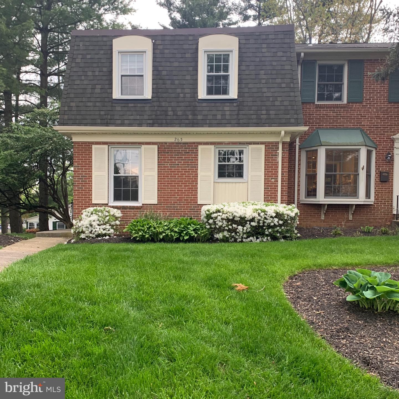 265 Commons Drive NW  - Fairfax, Virginia 22180