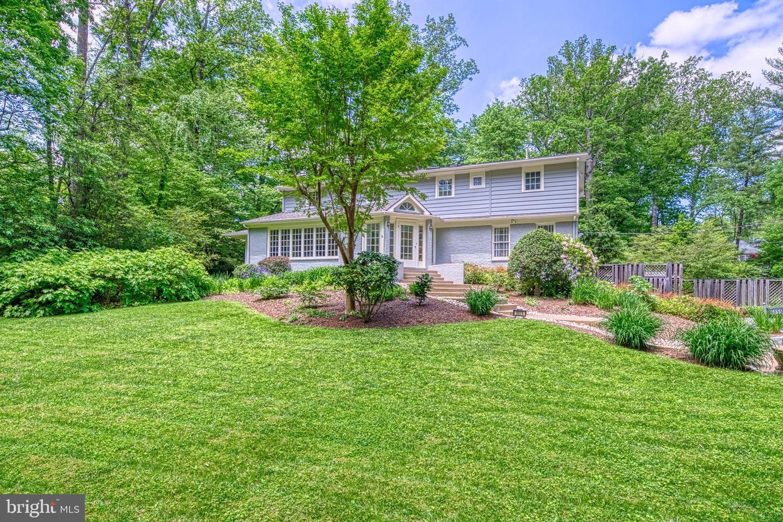 6655 Van Winkle Drive   - Falls Church, Virginia 22044