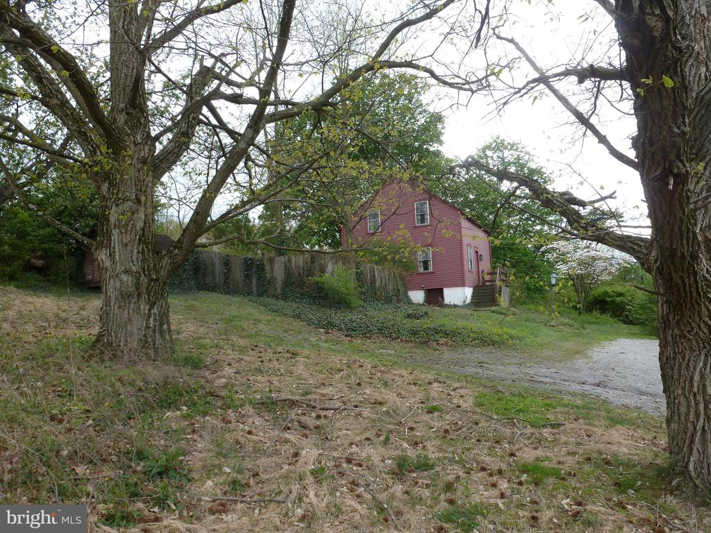 9020 Stage Road, Mcclure, PA 17841
