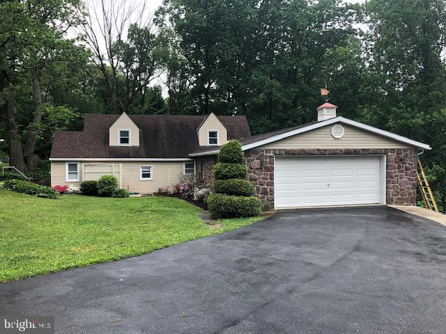 819 Imperial Drive, Mohnton, PA 19540