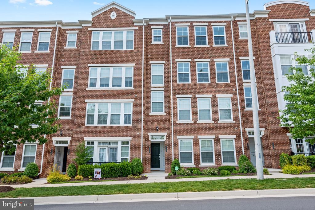3036 Rittenhouse Cir #44, Fairfax, VA 22031