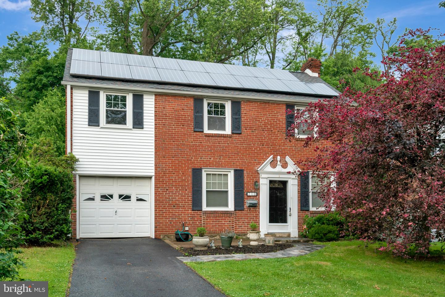 210 Greenbrier Lane Havertown, PA 19083