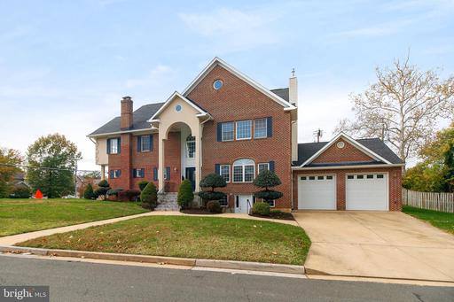3948 Fairview Dr, Fairfax, VA 22031