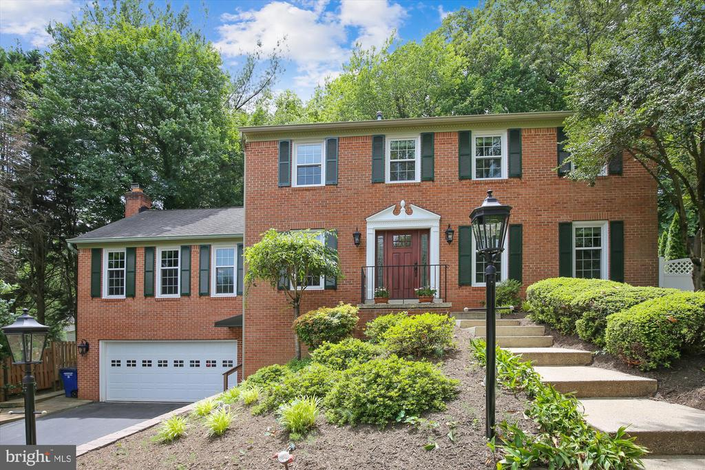 Photo of 1721 Chesterbrook Vale Ct