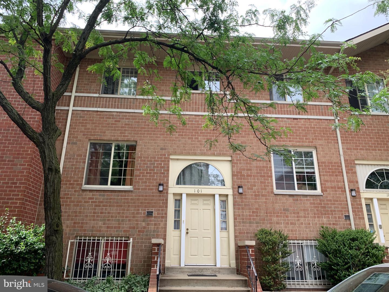 700 N Pennock Street UNIT 101 Philadelphia, PA 19130