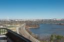 1300 Crystal Dr #1702s