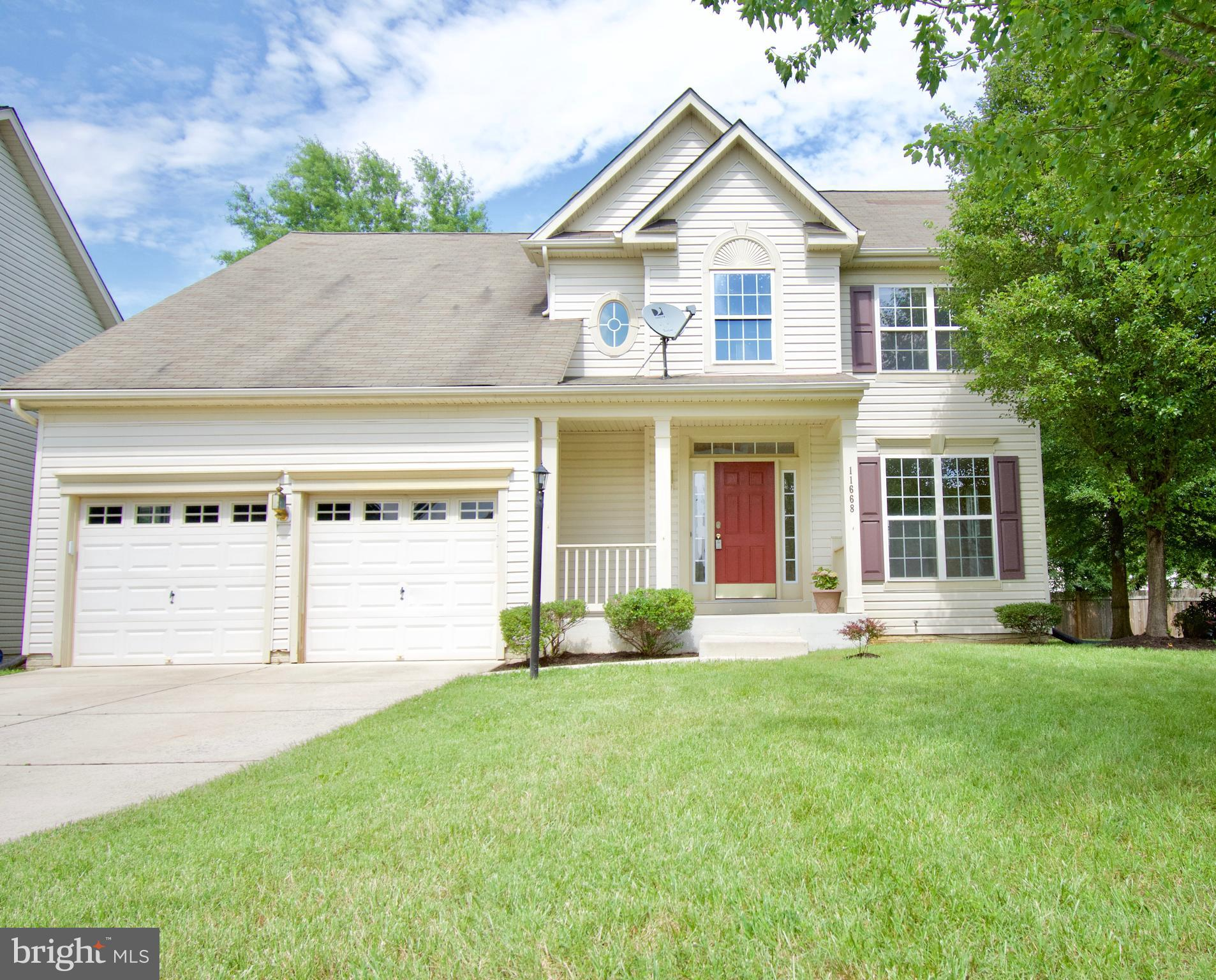 Whether you are relaxing in your sunken sitting room or enjoying the company of family and friends in the fully finished basement Rec. Room, this House has everything that you need to make it your new Home in Sheffield. You will definitely appreciate the brand new kitchen cabinets, the hardwood floors, the Upper Level Laundry Room, the Gas Fireplace,  recessed lights, and much more. Schedule your private showing Today!