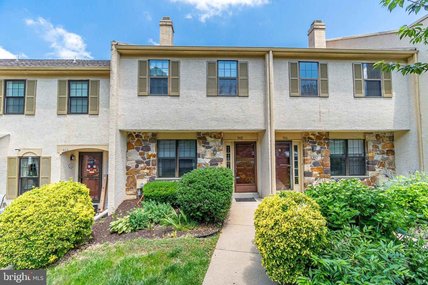 905 Stoneham Drive West Chester , PA 19382