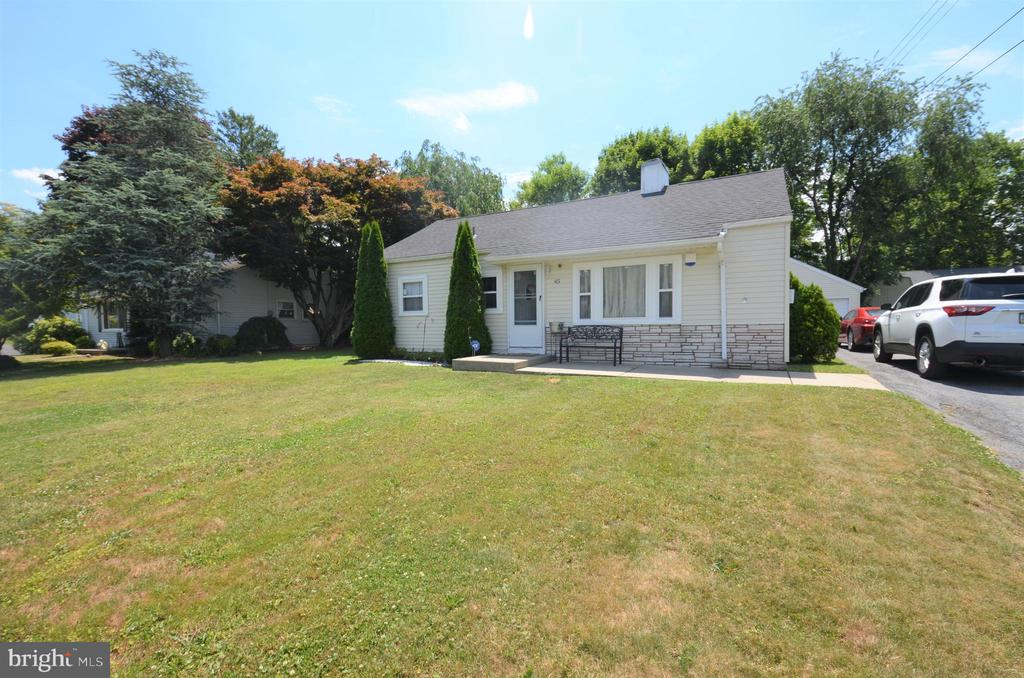 45 Middle Place, Easton, PA 18045