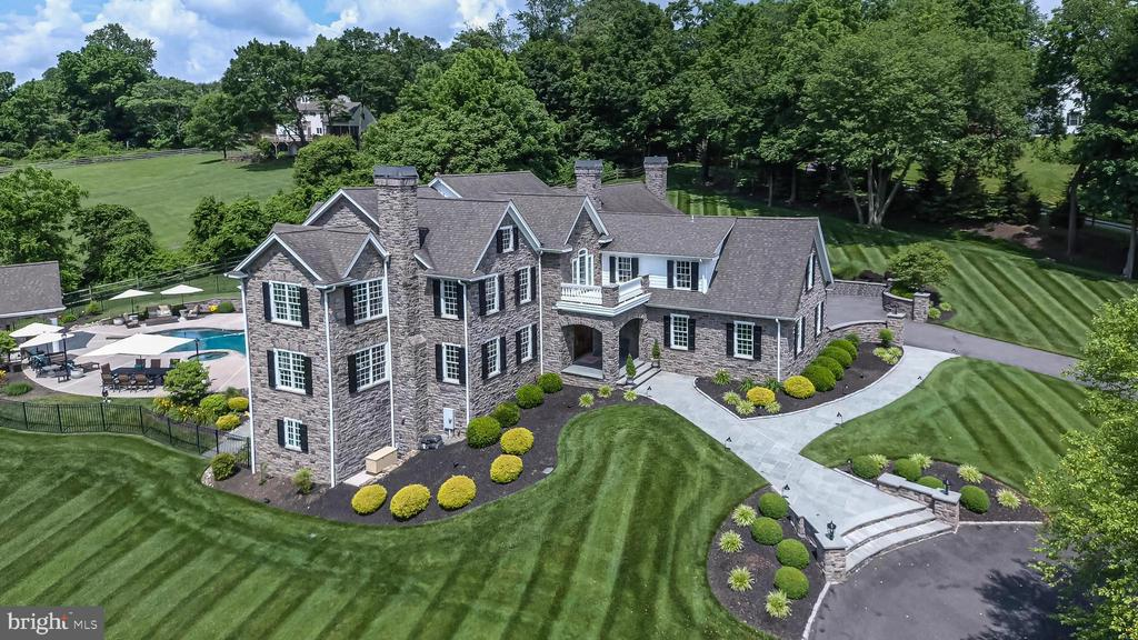 107 & 108 Pennfield Drive, Kennett Square, PA 19348