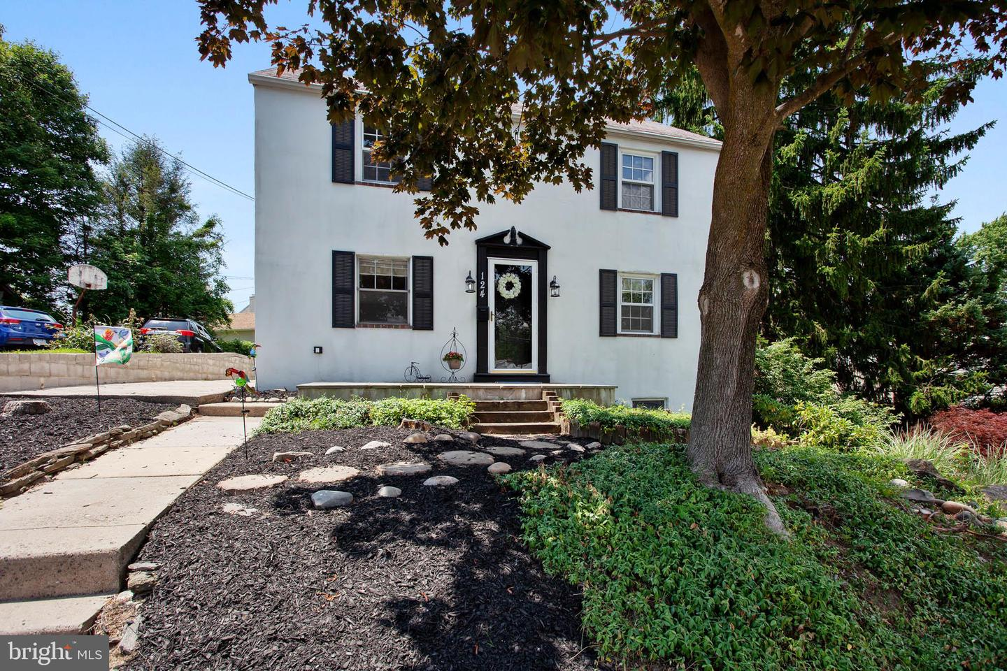 124 1st Avenue Broomall, PA 19008