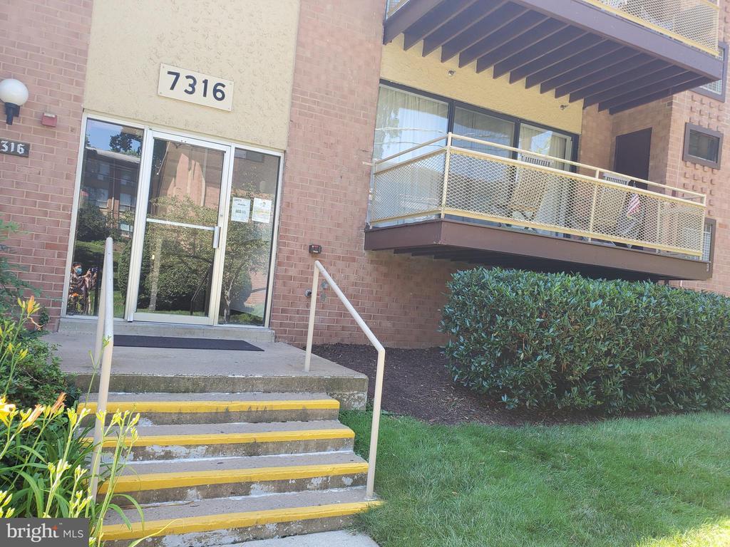 7316 Lee Hwy #104, Falls Church, VA 22046