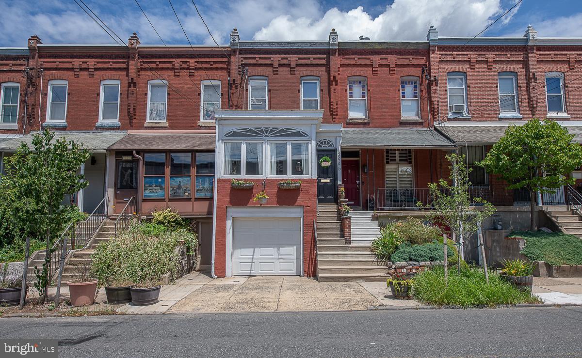 2945 Poplar Street Philadelphia, PA 19130