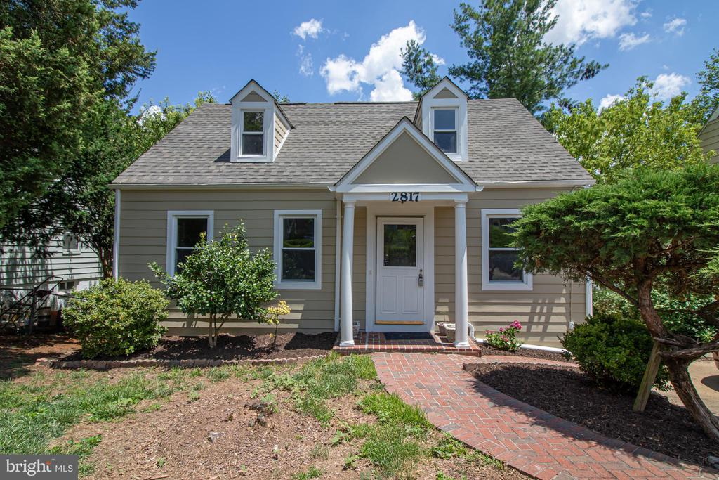 2817 Winchester Way, Falls Church, VA 22042