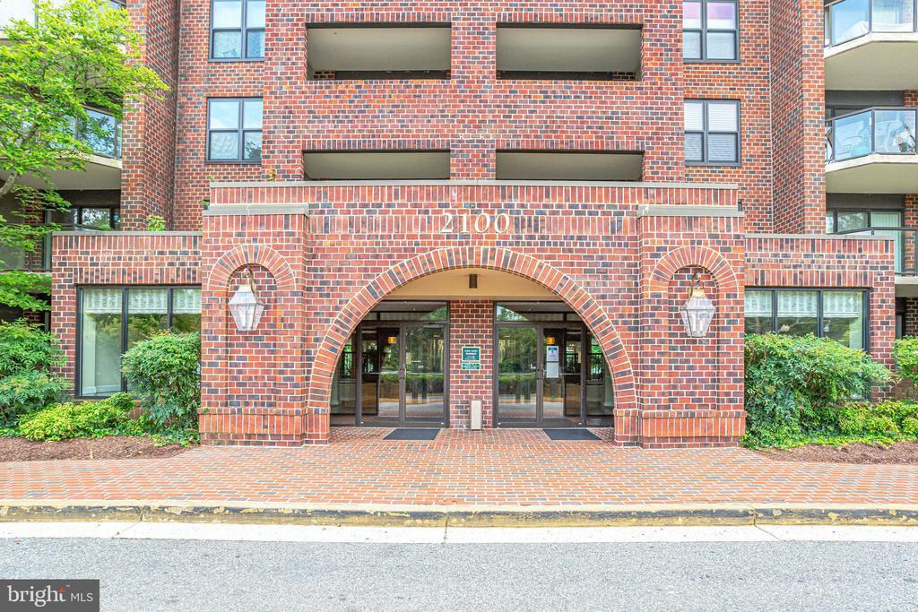 2100 Lee Hwy #411, Arlington, VA 22201
