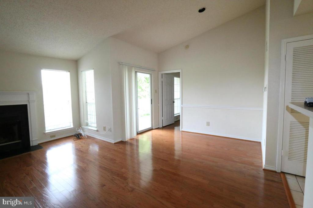 Photo of 1523 Lincoln Way #301