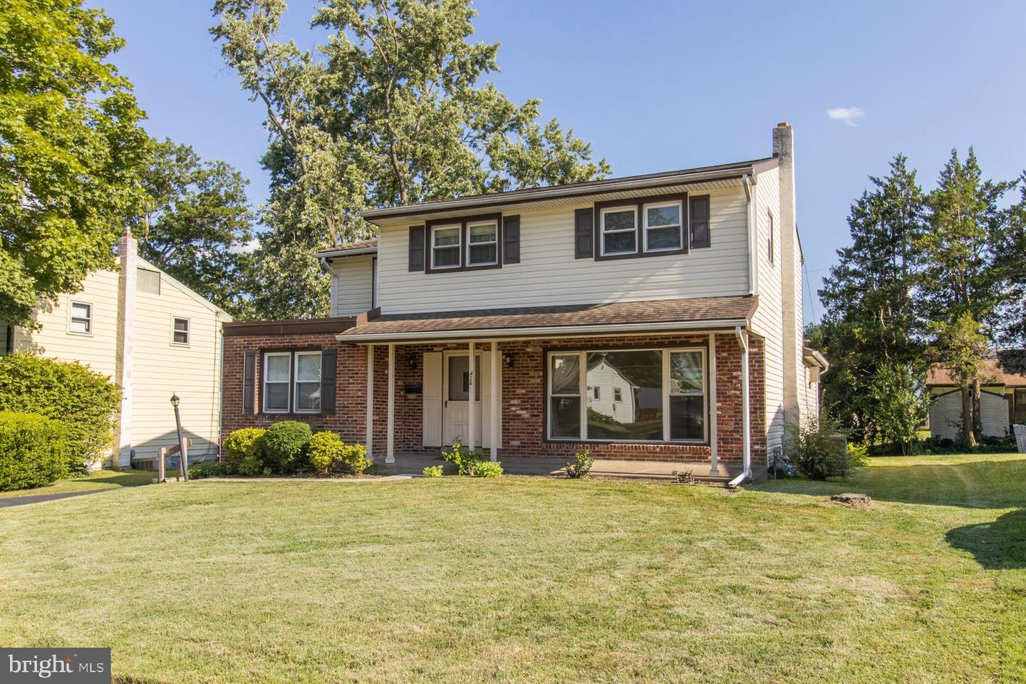 426 Farnsworth Drive Broomall, PA 19008