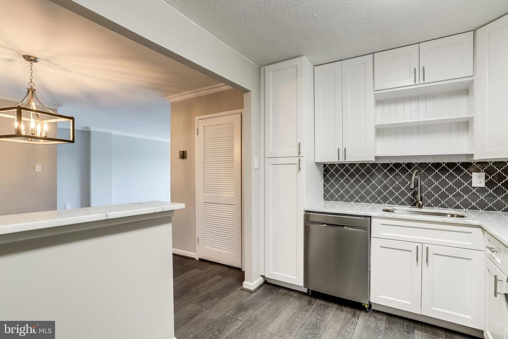 Photo of 1300 Army Navy Dr #624