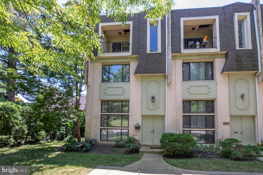 Move right in to the wonderful End-Unit Townhouse in  Merion Mews.  Multi-level end unit townhome is located in the prestigious town of Haverford ideally located at the corner of Booth Lane and Montgomery Ave.  This 2 BR/2.5BA Townhouse in Merion Mews is one of six with low association fees.  Sophisticated muli-level city living in the beautiful Main Line, in a walk to everything location. Open and airy with natural light from the numerous windows on every level.   The first level features a spacious Living Room with gas Fireplace, Newly installed tile like floors,  Laundry Room, and Storage area.  The second floor has a lovely Dining Room, beautiful hardwood floors,  a balcony overlooking the Living Room.  A pleasure to cook in this  Kitchen featuring, granite countertops, tile backsplash,  and pantry.  Attractive tiled powder room on this level. Third level has a large master bedroom, hardwood floors, walk-in-closet, and master bath with a large soaking tub.  The top floor has a spacious bedroom with a fireplace, full bath en suite, and a wonderful tiled balcony.  One year old carpeting . This townhome has it all, off street deeded parking space, walk to transportation, shopping, restaurants, and Lower Merion Schools.  New roof for the condo development installed 2015.