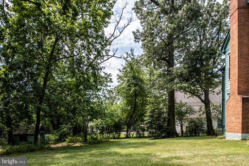 2321 Chestnut Hill Ave Falls Church VA 22043