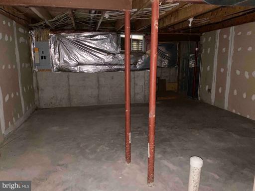 14470 Four Chimney Dr Centreville VA 20120