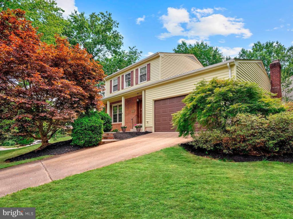 2213 William and Mary Dr
