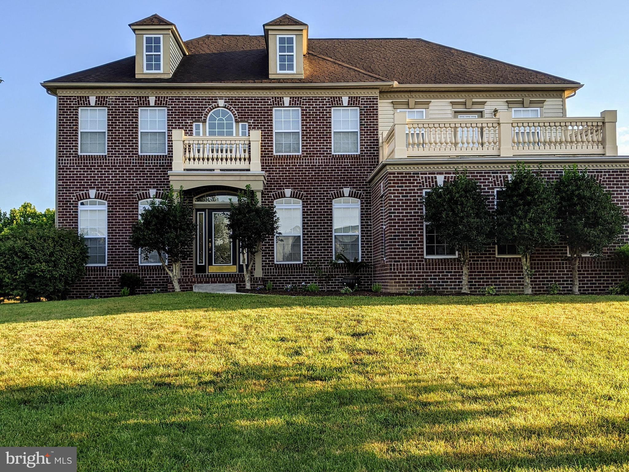 This Spectacular 4BR/2.5BA two-story home is located in the popular community of Bay Pointe in the highly acclaimed Appoquinimink School district. Some notable features In addition to being located on a PRIME 1.12 Acre lot include: 3 car garage, HIP roof, a Wide open floor plan w/ 9 foot ceilings on all levels, Brand new hardwood floor throughout the main level and new plush carpet on the 2nd level, Large gourmet kitchen w/ granite countertops, New tile backsplash, SS appliances including a double wall oven, upgraded cabinets, center island w/ breakfast bar, a nice sized sunroom, Office/Study, and a Two story family room w/ a gas fireplace in the main level. A split staircase leads to the second floor. In the master suite you'll find a spacious sitting area facing a large balcony, 2 walk-in closets, a master bath w/ twin vanities, tiled flooring and a large soaking tub. Completely repainted house w/ a newly resealed blacktop driveway.  This home will not last long.
