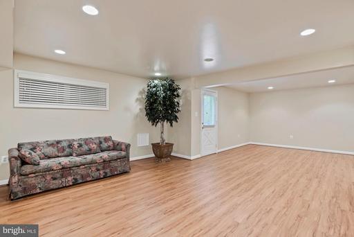 1308 Pavilion Club Way Reston VA 20194