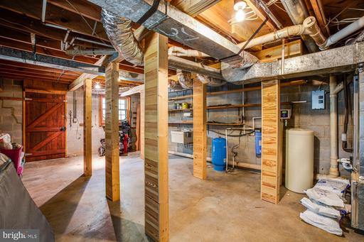 1735 Log Cabin Rd Beaverdam VA 23015
